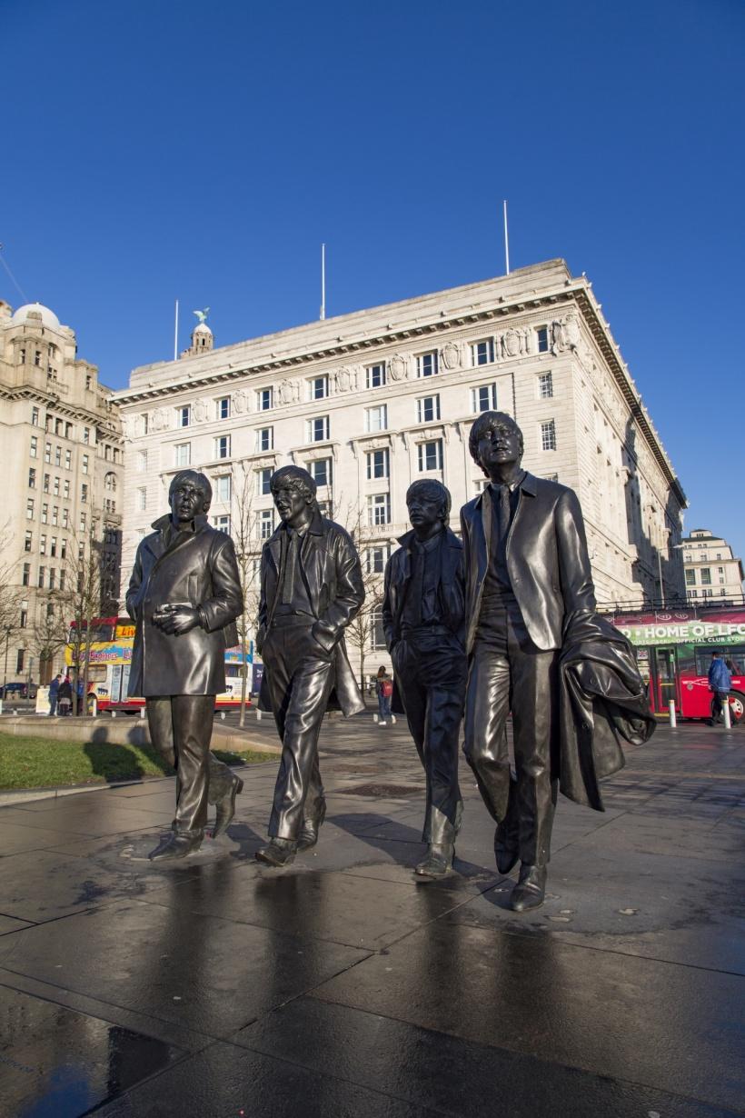 Beatles-statue-pubdomain