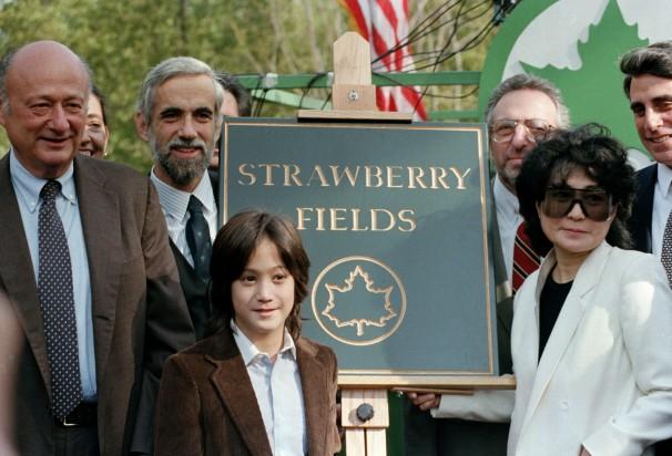 StrawberryFields-ceremony