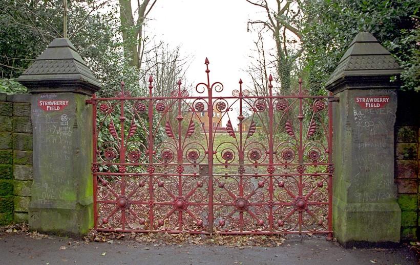 Strawberryfield-gate