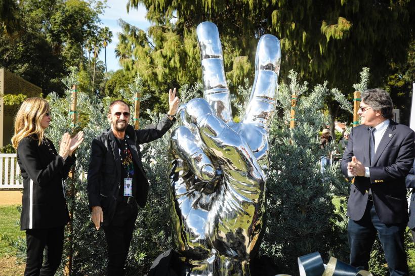 Ringo-peacestatue-mayor-wife-Nov1-2019